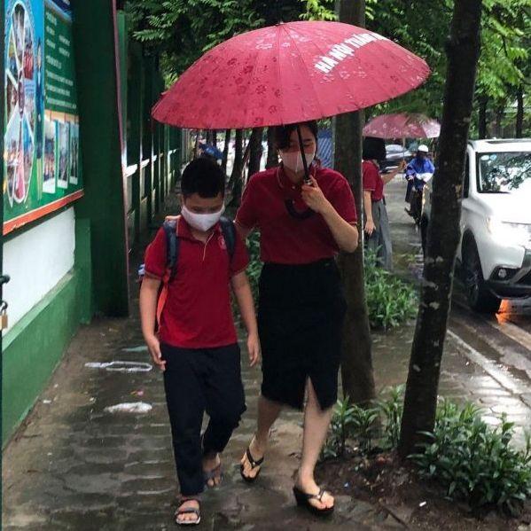 Cơn mưa đầu mùa và tình cảm thầy, cô, trò Hà Nội – Thăng Long