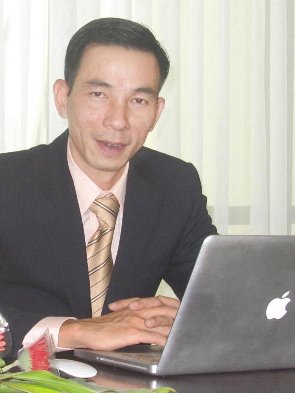Thầy Phan Văn Hiếu