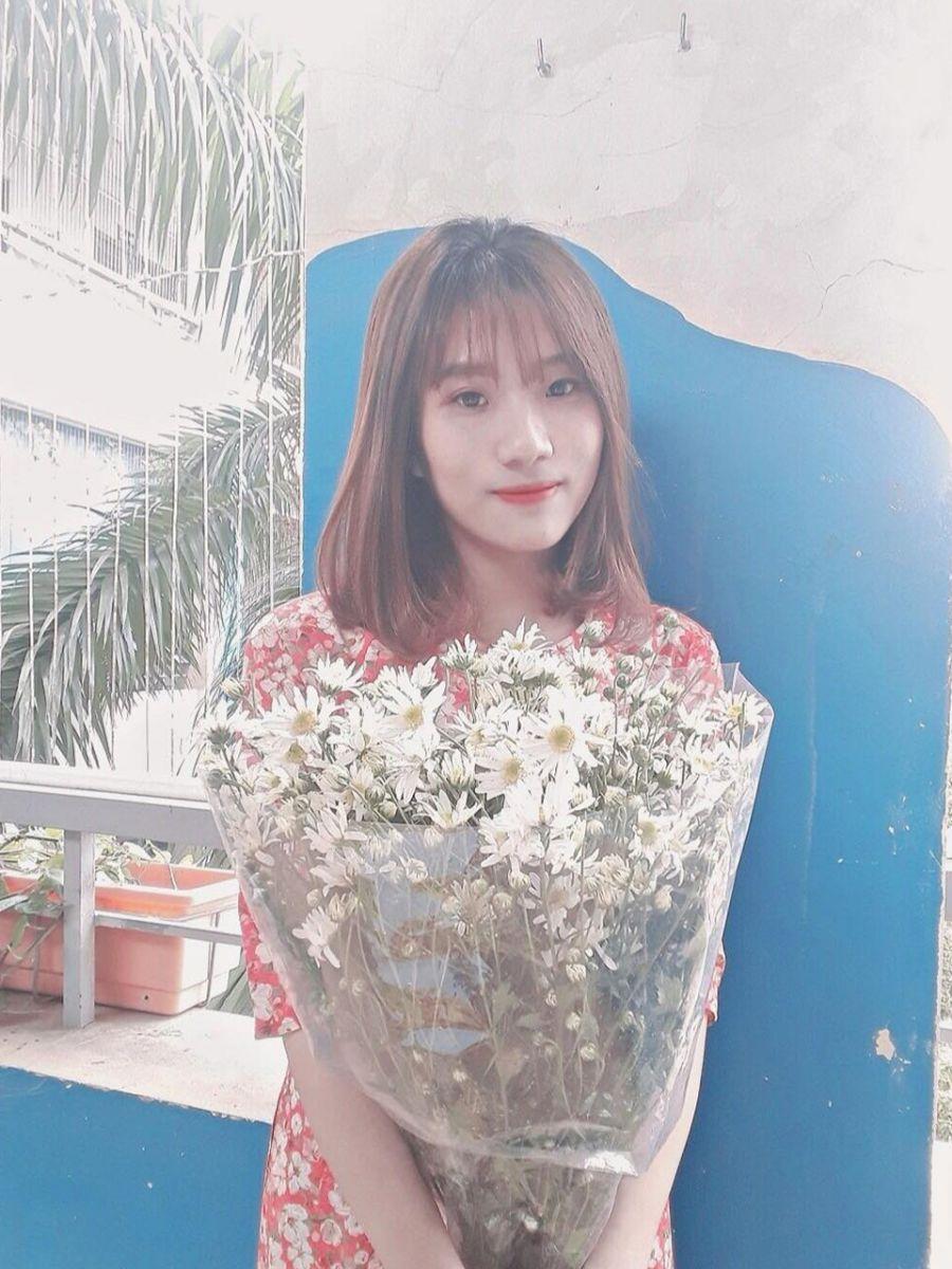 Cô Hoàng Thị Thu Hà