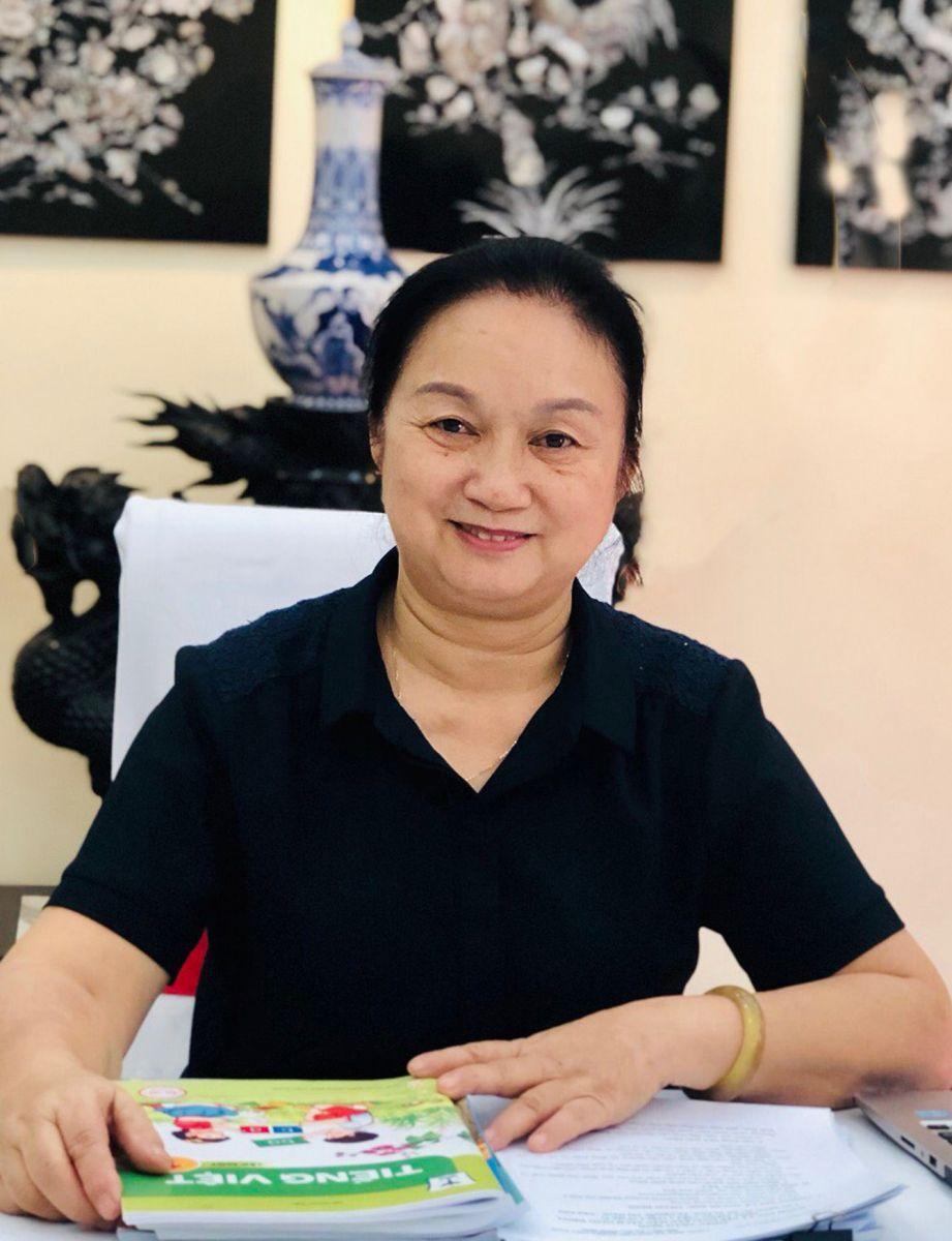 Cô Phan Phương Dung