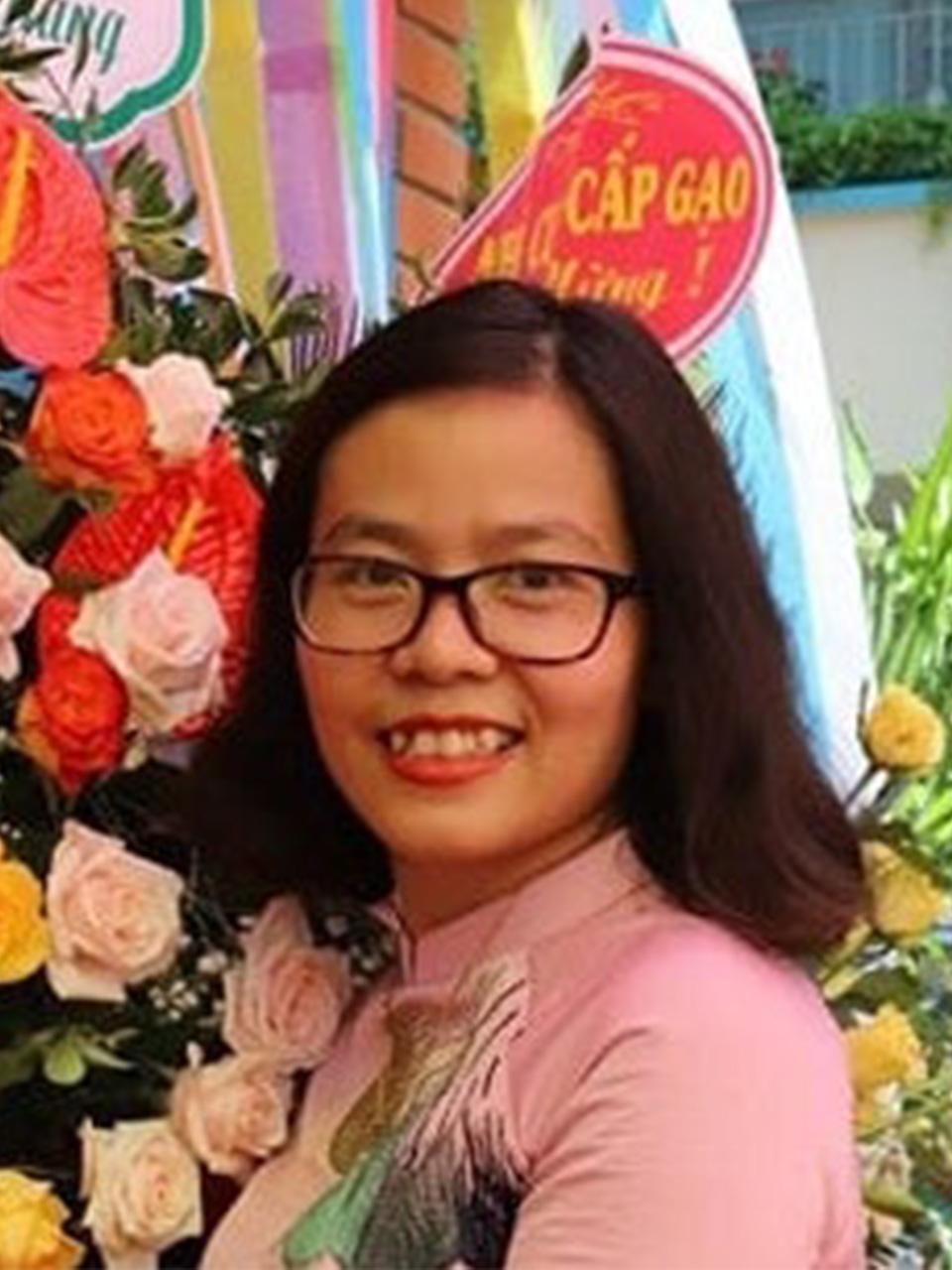 Cô Bùi Thị Tuyết Trinh