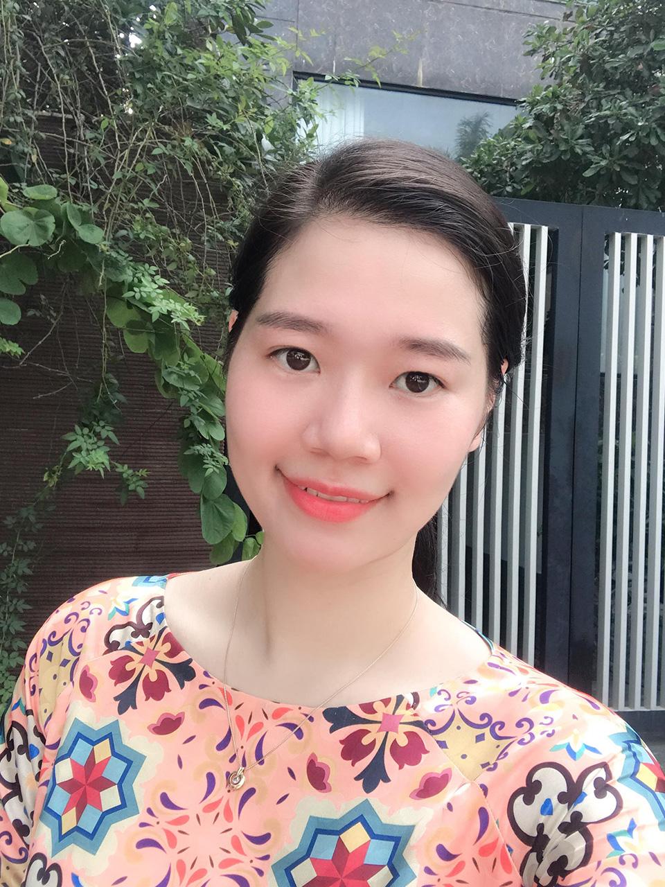 Cô Cấn Thị Phương Anh